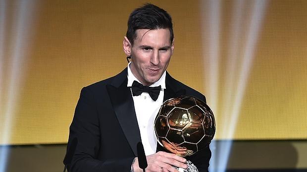 0d1d5add30420 Balón de Oro 2015Messi gana el Balón de Oro 2015. El delantero el Barcelona  logra su quinto ...