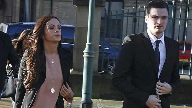 Adam Jonhson junto a su pareja, Stacey Flounders