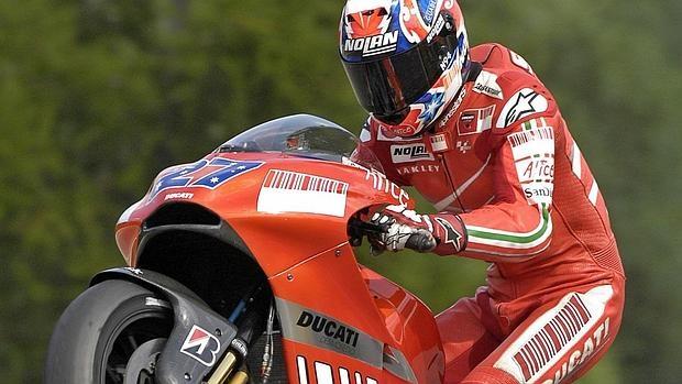 Casey Stoner, campeón con Ducati