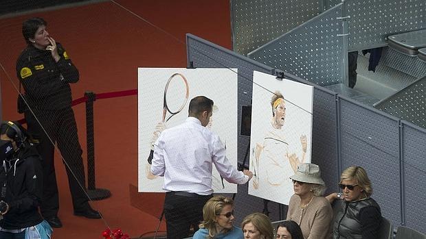 El pintor, durante el partido que enfrentaba a Nadal y a Andy Murray en la Caja Mágica