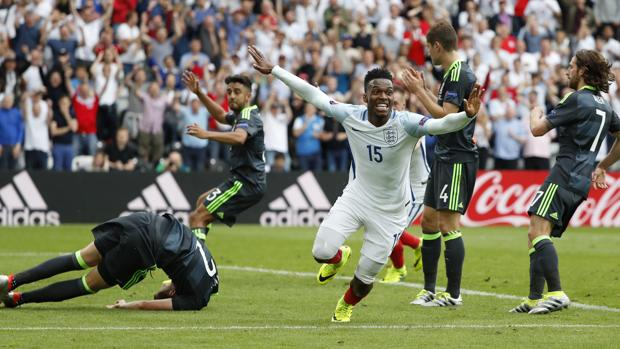 Inglaterra-Gales:  Sturridge cura el mordisco de Bale