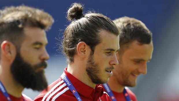 Bale contra Grigg; Cristiano contra Modric