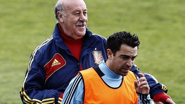 Del Bosque y Xavi Hernández