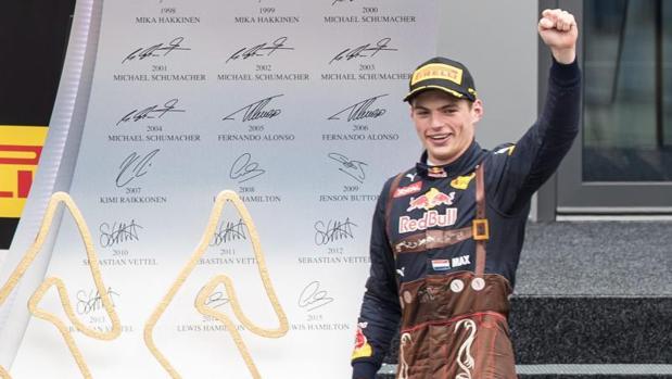 Verstappen celebra su segundo puesto en el Gran Premio de Austria