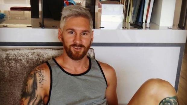 Sorprendente cambio de look de Messi
