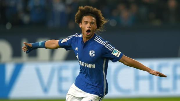 Sané celebra un gol con su exequipo, el Schalke 04