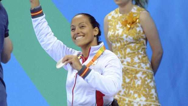 Teresa Perales, con la medalla de plata