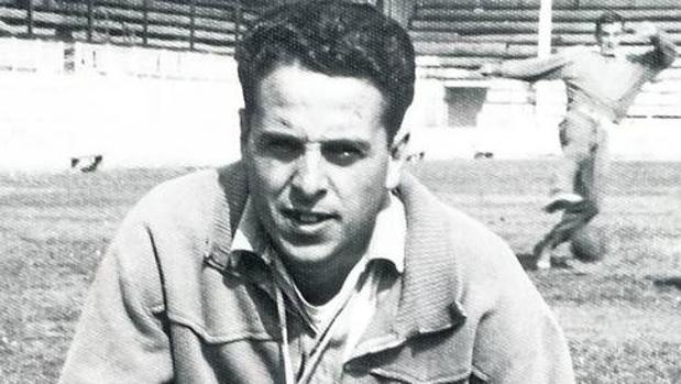 Fernández Mora, en su etapa como entrenador del Rayo Cantabria