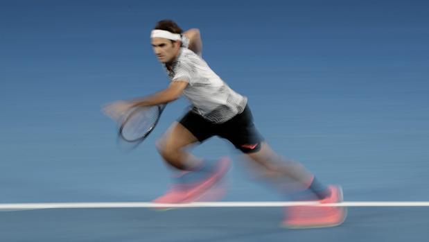 Federer, durante su encuentro ante Zverev