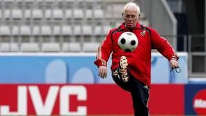 Luis Aragonés, en un entrenamiento con la selección española