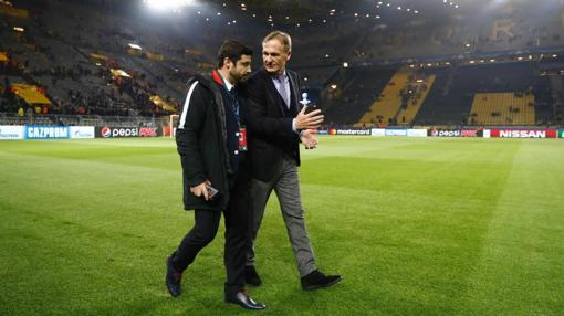 Hans-Joachim Watzke, director general del Dortmund, tras la suspensión