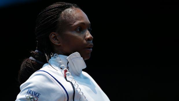 LA ex esgrimista, Laura Flessel, durante su etapa como profesional olímpica