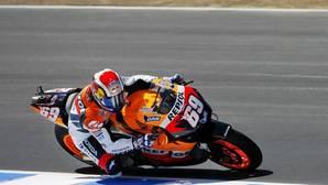 Hayden pilotando en el circuito de Laguna Seca