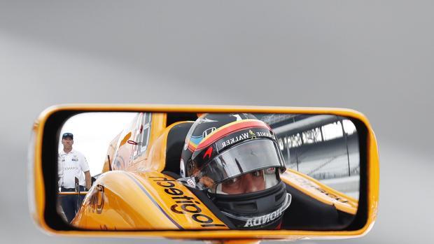 Alonso, en su coche de la Indy 500