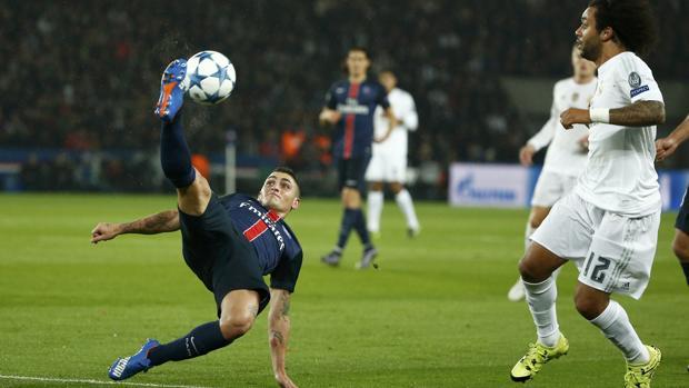 Marco Verratti remata de forma acrobática ante el Real Madrid