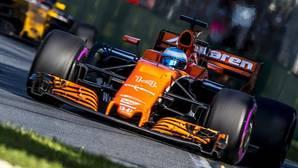 Alonso, al volante de su McLaren