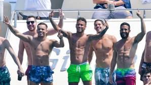 Neymar, de juerga en Saint-Tropez