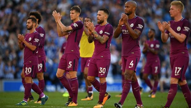 El City de Guardiola gana sin lucirse en su debut