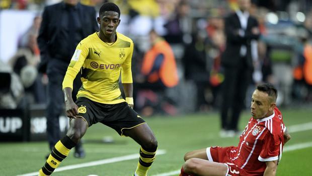 Dembélé en un partido contra el Bayern