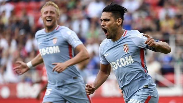 Falcao celebra uno de sus goles