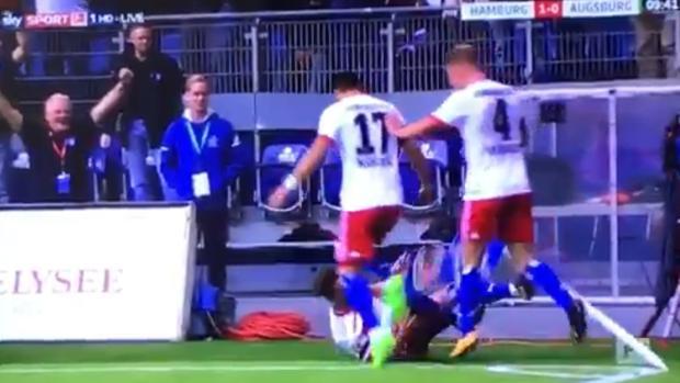 Nicolai Müller cae lesionado después de celebrar su gol