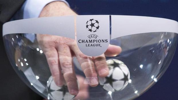 Sorteo de la fase de grupos de la Champions League de la pasada edición
