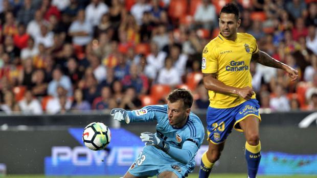 Vitolo en el partido ante el Valencia de la primera jornada de Liga