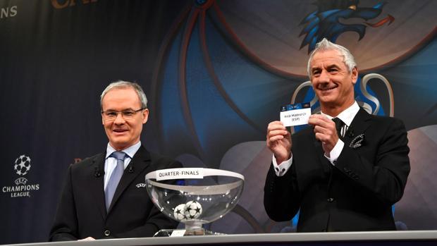 Imagen del sorteo de los cuartos de final de la Champions 16-17