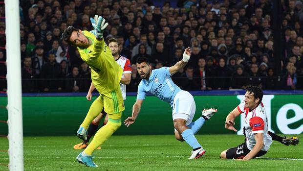 Feyenoord-Manchester City:  El City se pasea en Holanda