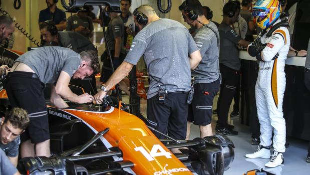 Fórmula 1:  Fernando Alonso se queda