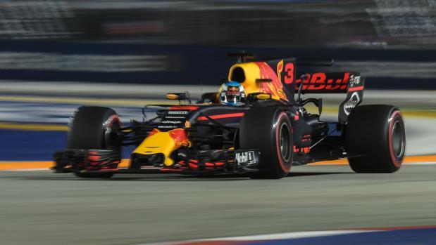 Daniel Ricciardo, durante los segundos libres en el GP de Singapur