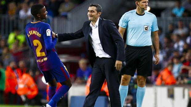 Valverde da instrucciones a Semedo durante un partido
