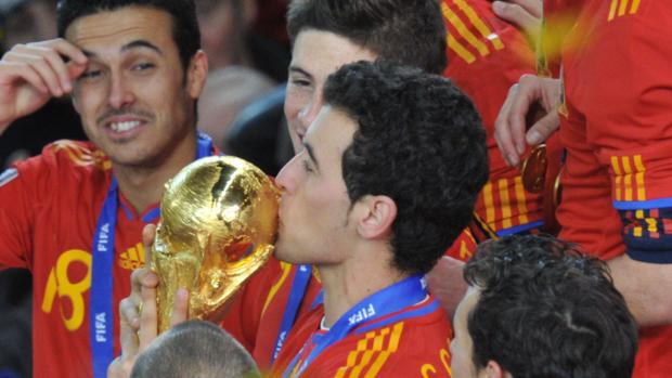 Selección española  Las camisetas de España en los Mundiales 72bd4cd57e360