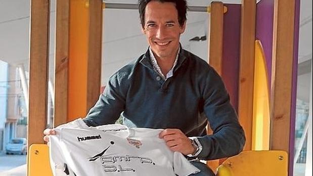 Rifaterra, en 2016, con la camiseta del Olímpic de Xátiva