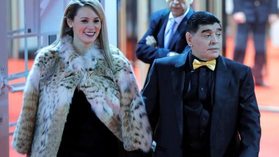 Maradona ya ha llegado también al escenario de este sorteo