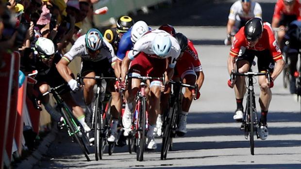 El esprint que acabó con Cavendish en el asfalto