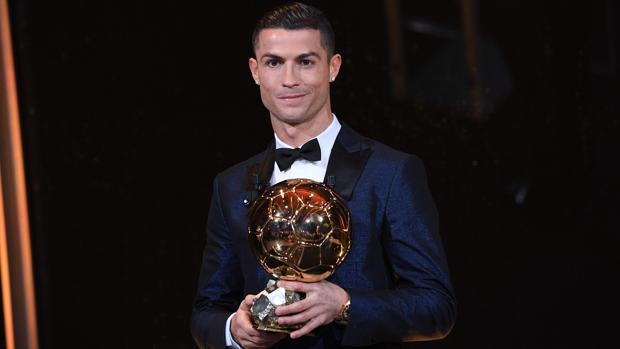Balón de Oro 2017  Cristiano Ronaldo gana su quinto Balón de Oro 6518a8fedf081
