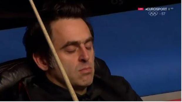 La cabezada de Ronnie O'Sullivan en mitad de una partida