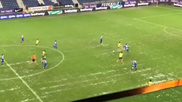 El increíble partido que se jugó de principio a fin pese al diluvio