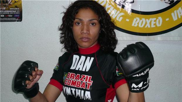 La luchadora hispanovenezolana Karla Benítez es un referente de las MMA en España