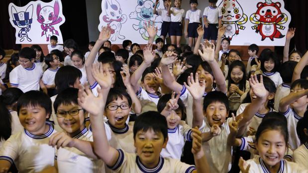 Las mascotas de Tokio 2020, un juego de niños