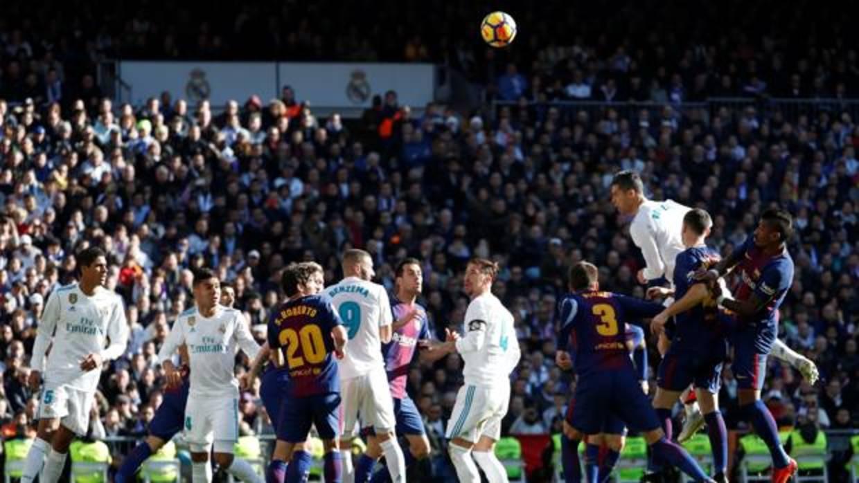 Barça y Madrid, los equipos que más dinero ingresaron por derechos de TV
