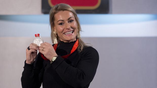 Así viajó a España la plata olímpica de Lydia Valentín