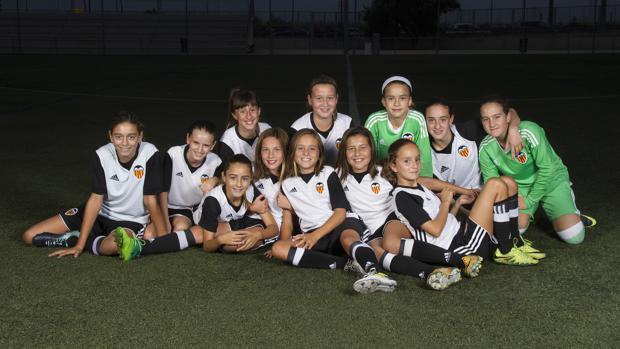 2e21b22fa75c6 Fútbol Las chicas del Valencia CF Féminas Alevín A