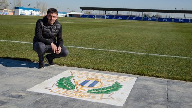 Asier Garitano, posando para ABC en la Ciudad Deportiva del Leganés