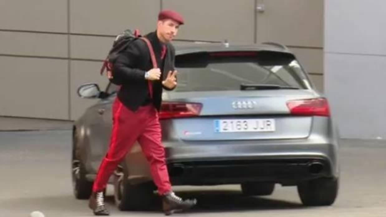 Otro look de Sergio Ramos al límite de la moda