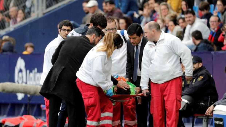 Diego López, en el hospital tras un fuerte golpe en la cabeza