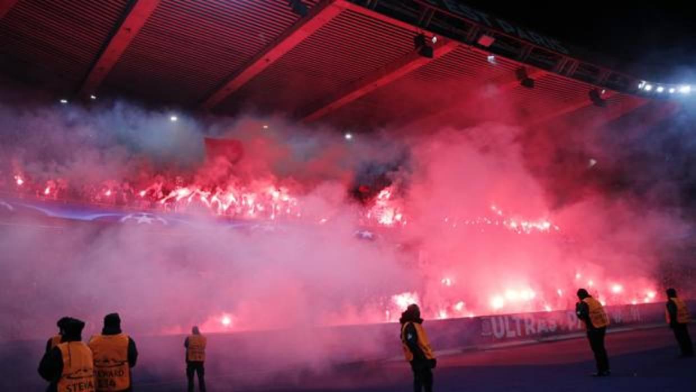 La UEFA sanciona al PSG por las bengalas en el partido contra el Real Madrid