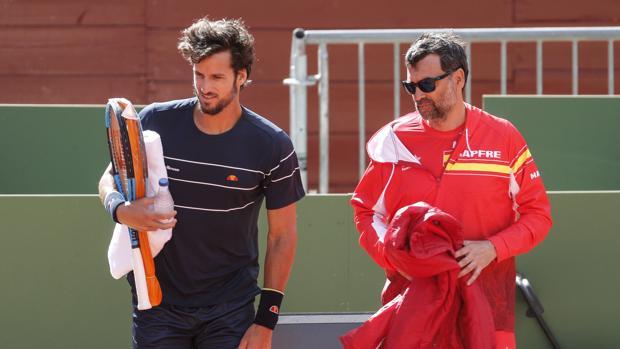 Feliciano López con Sergi Bruguera, en un entrenamiento