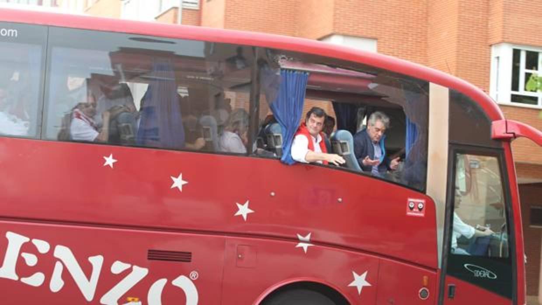 Apedrean un autobús de aficionados del Sevilla